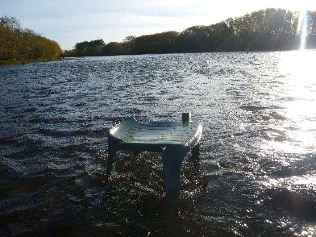 The fishing switched on when I got to this chair! I actually sat down to play one. Very civilised indeed!