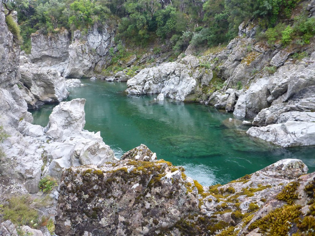Day 4. No mission would be complete without tackling a gorge. I hooked 2 in here, both much bigger than anything we landed. One swam down stream, around a rock, then swam upstream. There was nothing I could do but see the funny side of it!