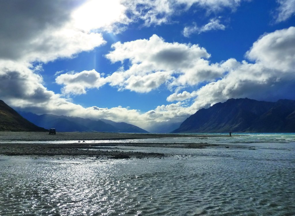Lake Hawea is a spectacular place..