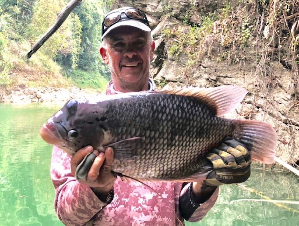 Tim joins the exclusive Giant Gourami club with a 9lb fish!